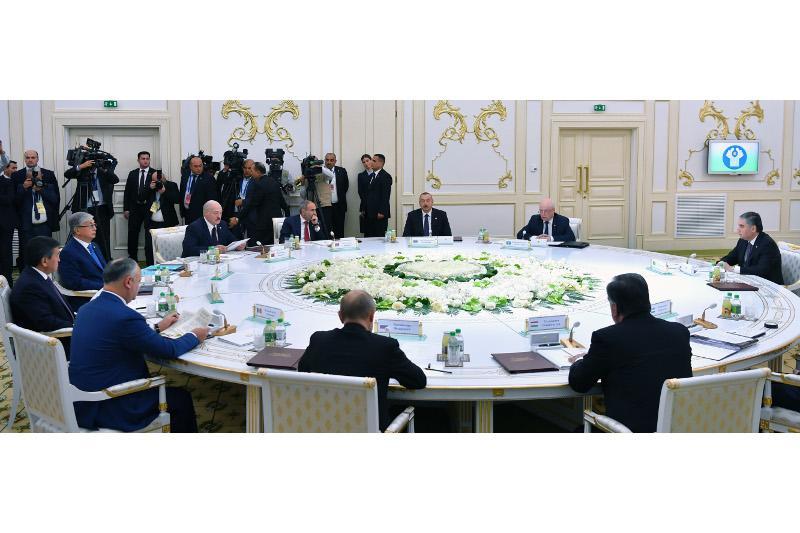 托卡耶夫总统出席独联体国家首脑峰会