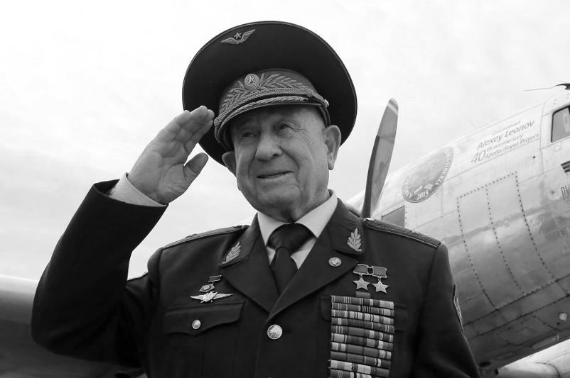 """""""太空行走第一人""""前苏联宇航员列昂诺夫去世"""