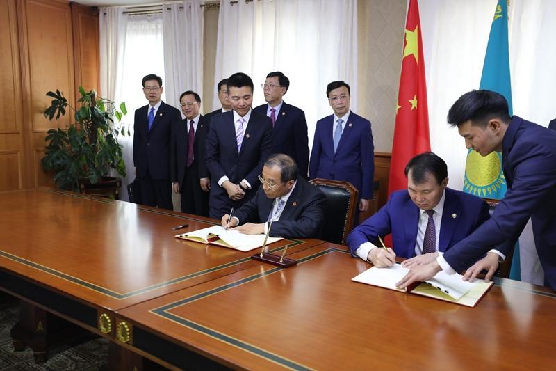Казахстанские борцы с коррупцией пройдут обучение в Китае