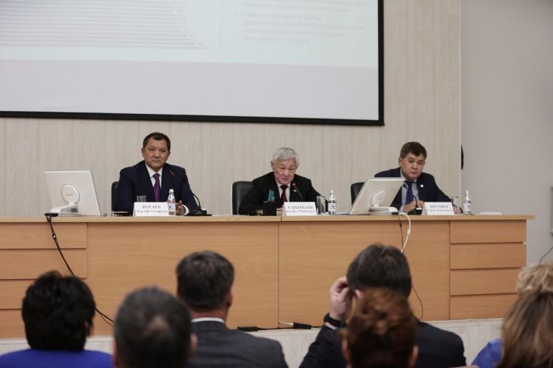 Бердибек Сапарбаев провел в Атырау совещание по вопросам внедрения ОСМС
