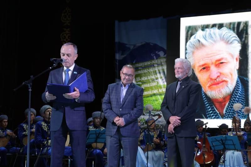 В ВКО поздравили с юбилеем известного ученого и писателя Бориса Щербакова