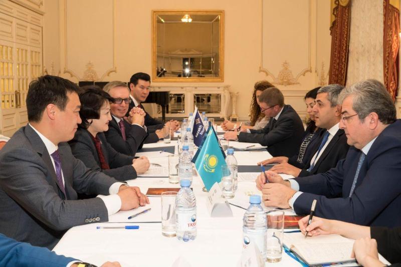 文体部长会见联合国世界旅游组织秘书长