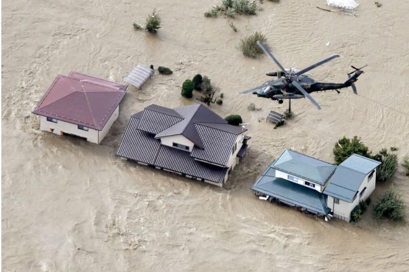 Жапонияда тайфун салдарынан 19 адам мерт болды, 16-сы іздестірілуде