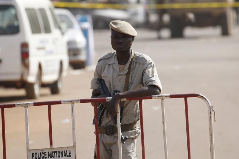 布基纳法索一清真寺遭袭15人死亡