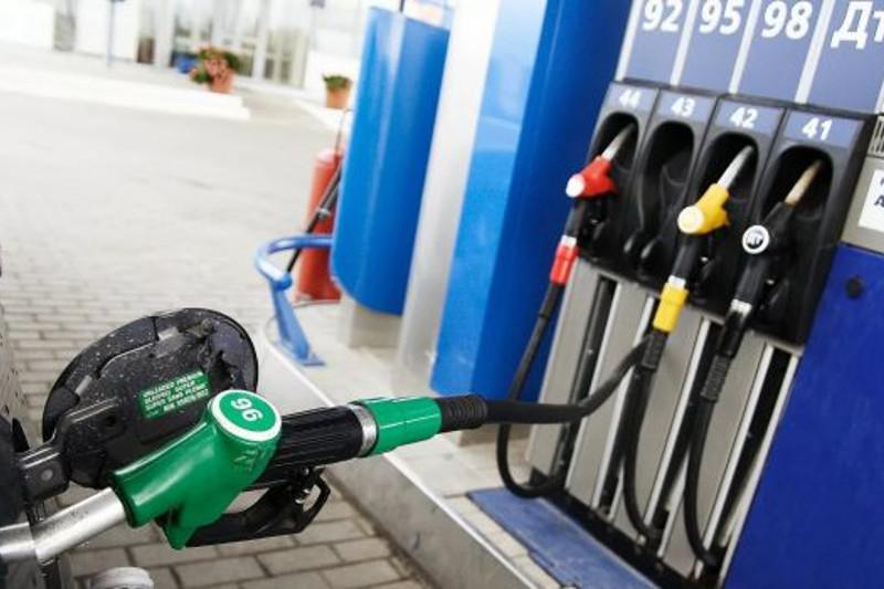 Объемы производства бензина и дизтоплива за год выросли на 13% и 9% соответственно