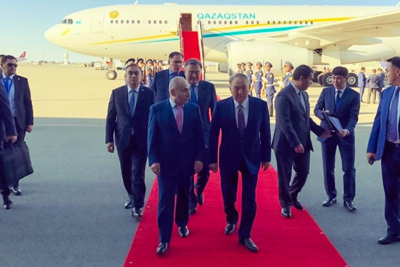 纳扎尔巴耶夫抵达巴库将出席突厥议会峰会