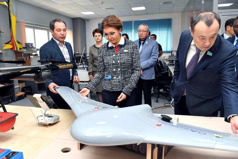 Инновационные разработки и стартап-проекты представили депутатам Сената
