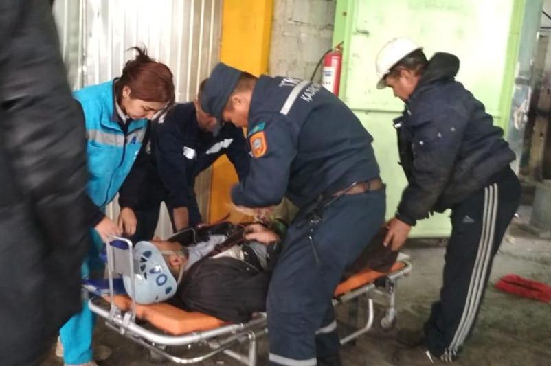 Водителя автокрана с приступом инсульта спасли в Актобе
