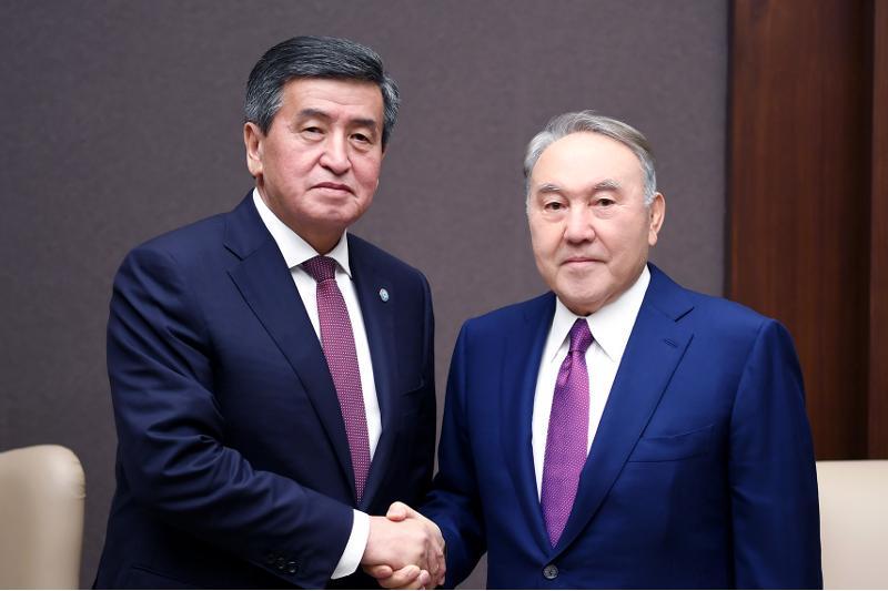 纳扎尔巴耶夫会见吉尔吉斯斯坦总统