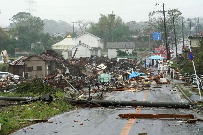 """台风""""海贝思""""致日本多地停水停电 遇难人数已达67人"""