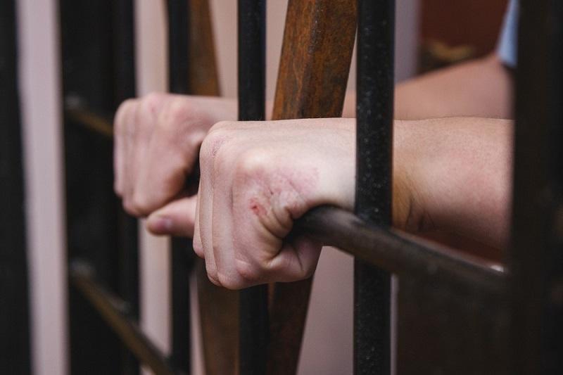 Подозреваемый в подглядывании за 10-летней девочкой задержан в Павлодаре