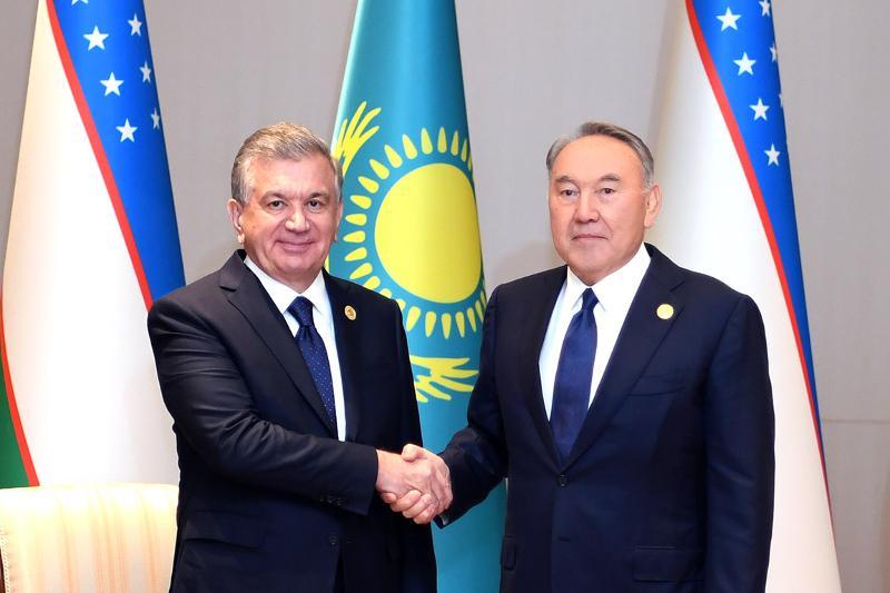 Nursultan Nazarbayev, Shavkat Mirziyoyev have talks in Baku