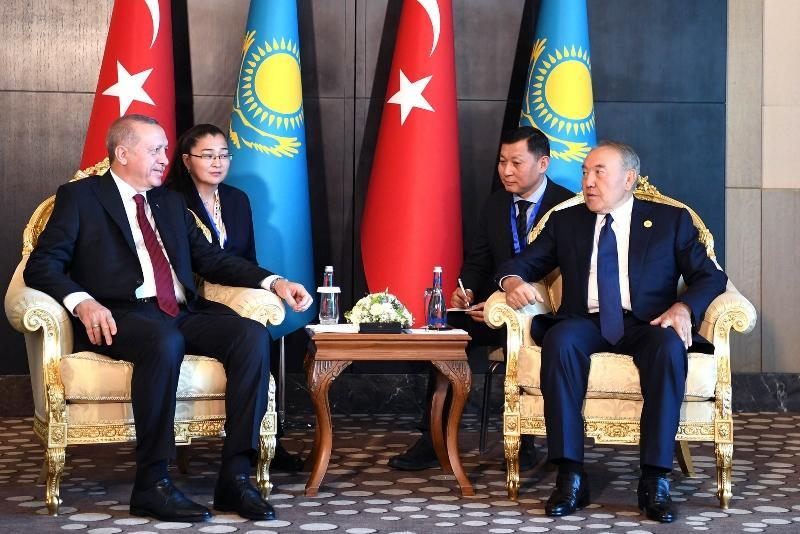 纳扎尔巴耶夫会见土耳其总统埃尔多安