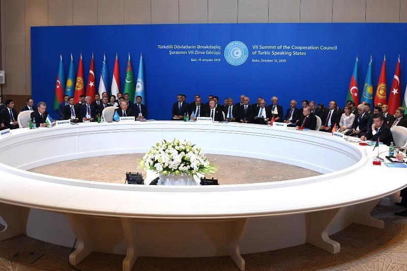 Размещено видео участия Нурсултана Назарбаева на саммите Тюркского совета в Баку