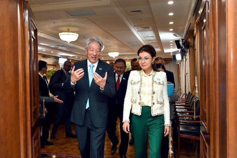 达丽哈·纳扎尔巴耶娃呼吁新加坡在哈萨克斯坦投资
