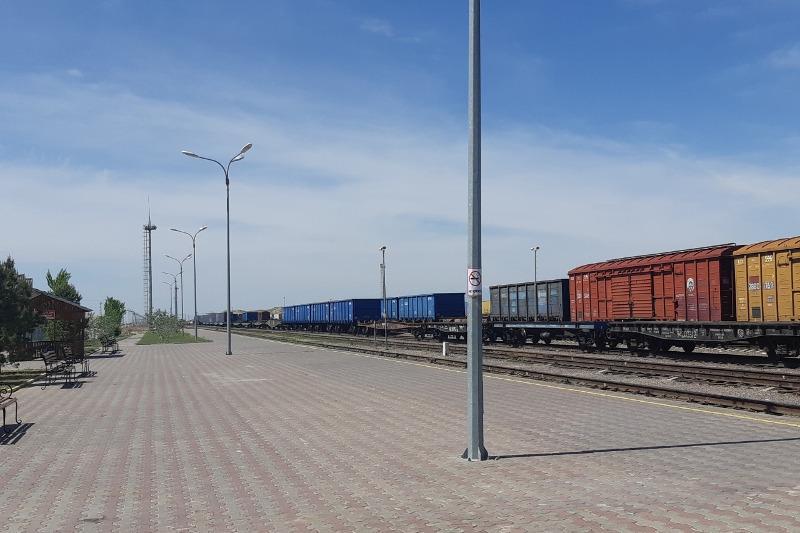 Грузовые станции Казахстана принимают заявки на перевозку  грузов в режиме онлайн