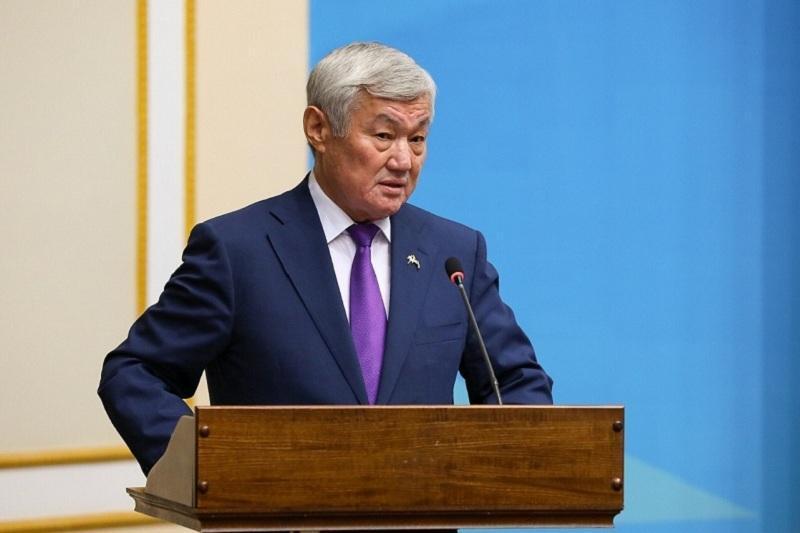 政府副总理介绍哈萨克斯坦疾病预防和控制工作