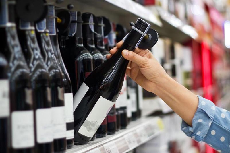 Біртанов темекі, алкоголь сатушыларға қосымша салық салып, оны МӘМС қорына аударуды ұсынды