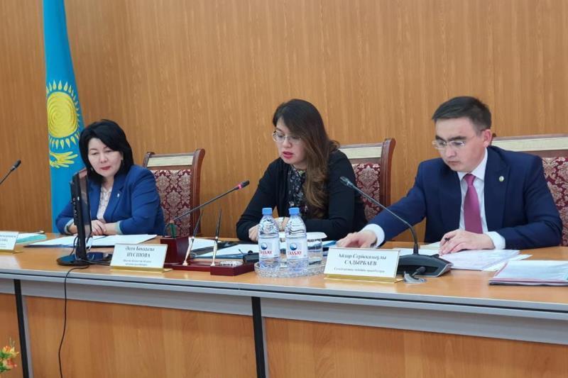 Заседание областной комиссии по делам несовершеннолетних состоялось в Семее