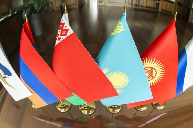 今年前8月哈萨克斯坦与欧亚经济联盟国家贸易额增长0.2%