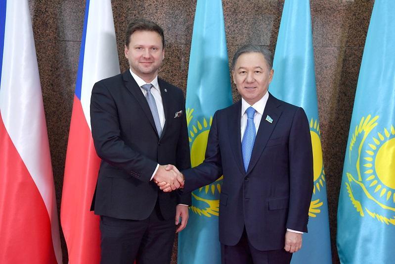 Нурлан Нигматулин высказался за укрепление казахстанско-чешского межпарламентского сотрудничества