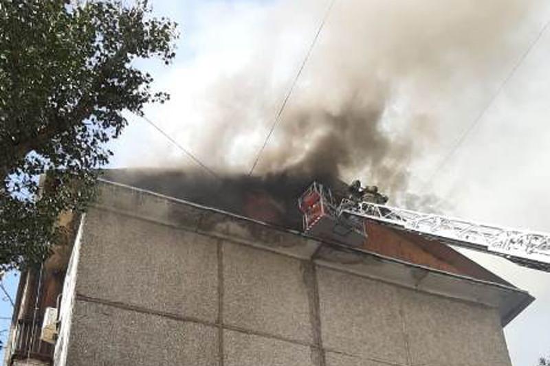 Названа предварительная причина возгорания пятиэтажки в Таразе