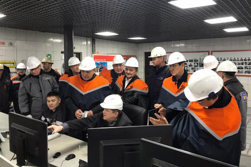 Ералы Тугжанов обсудил проблемные вопросы горняков с акимом Карагандинской области