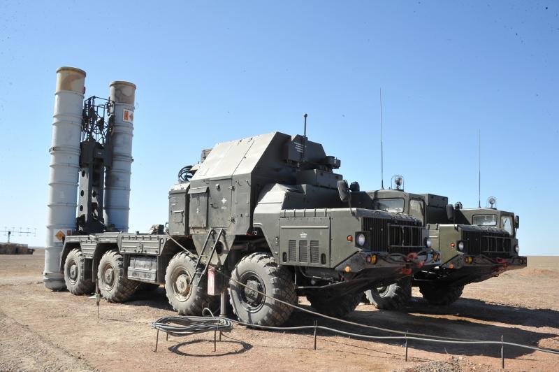 哈萨克斯坦对S-300防空导弹进行测试