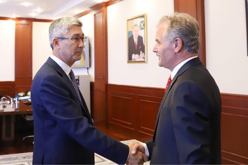 曼格斯套州州长会见土耳其驻阿克套总领事