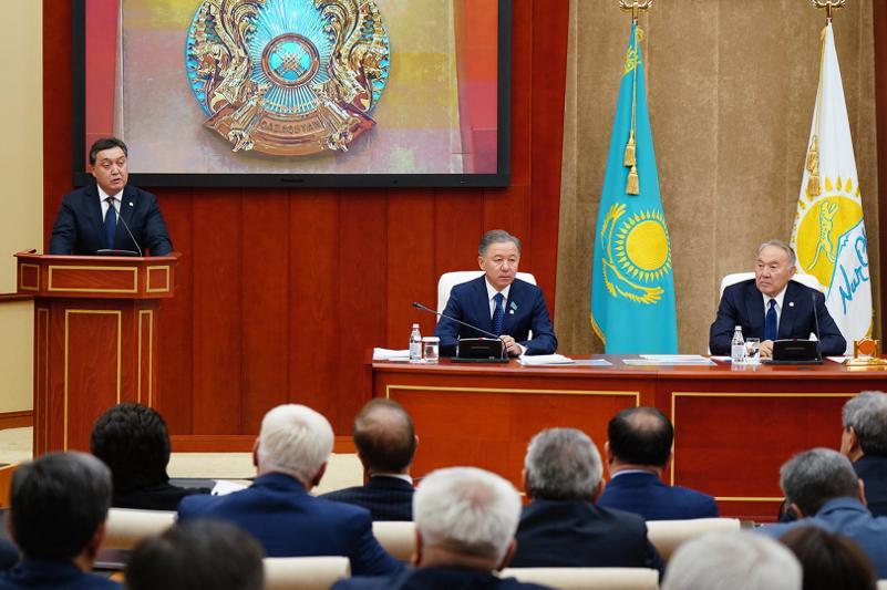 Глава Правительства доложил Елбасы об исполнении предвыборной программы партии «Nur Otan»