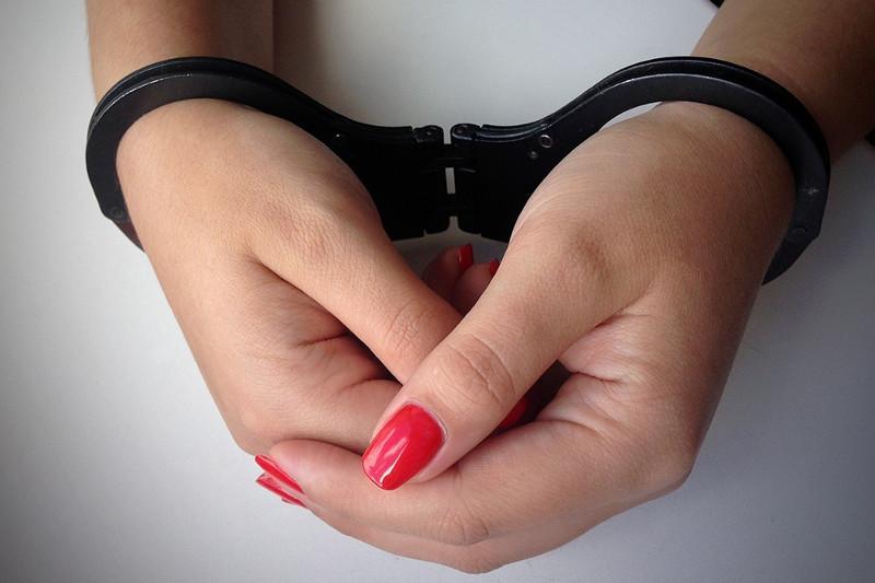 За мошенничество в сфере туруслуг задержаны мать и дочьв Алматы