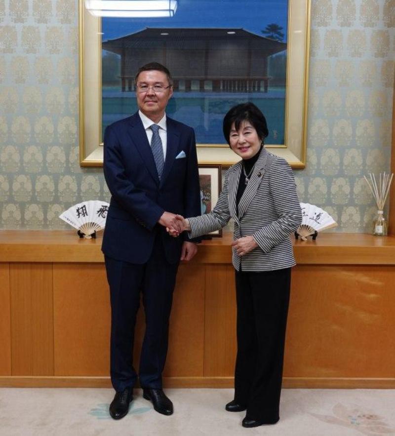 Посол Казахстана встретился со спикером палаты советников Парламента Японии