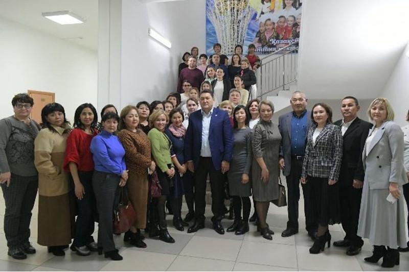 Горячее питание в 1-4 классах школ Павлодарской области станет бесплатным