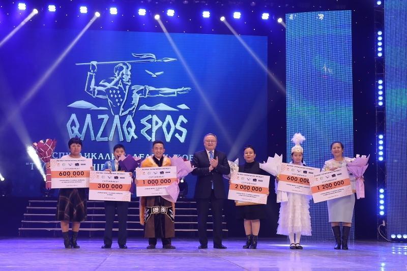 Тұлпар мініп, ту алған: Қобыланды батыр жырын жаттаған оқушы миллионер болды