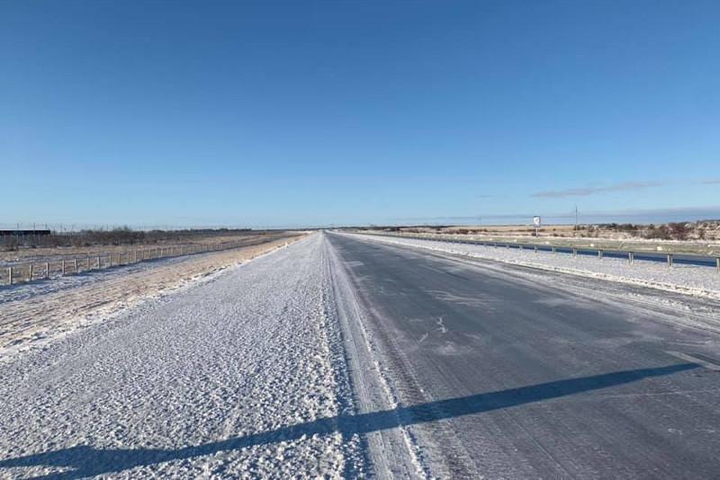 Гололед и метель: казахстанские автолюбители делятся видео и фото