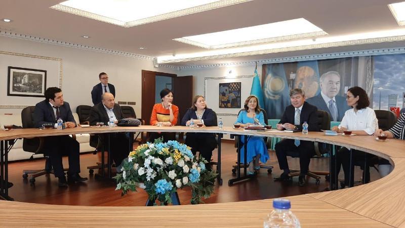 阿特劳市纳扎尔巴耶夫精英学校子项目办公室介绍会在土耳其举行
