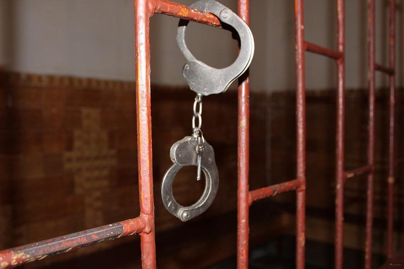 Протаранившего пять автомобилей пьяного водителя водворили в изолятор в Караганде