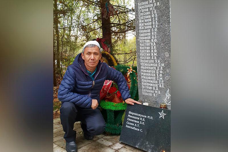 СҚО тұрғындары майданда қаза тапқан аталарының зиратын Ленинград облысынан тапты