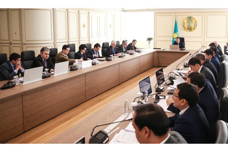 政府总理马明召开会议讨论引资问题