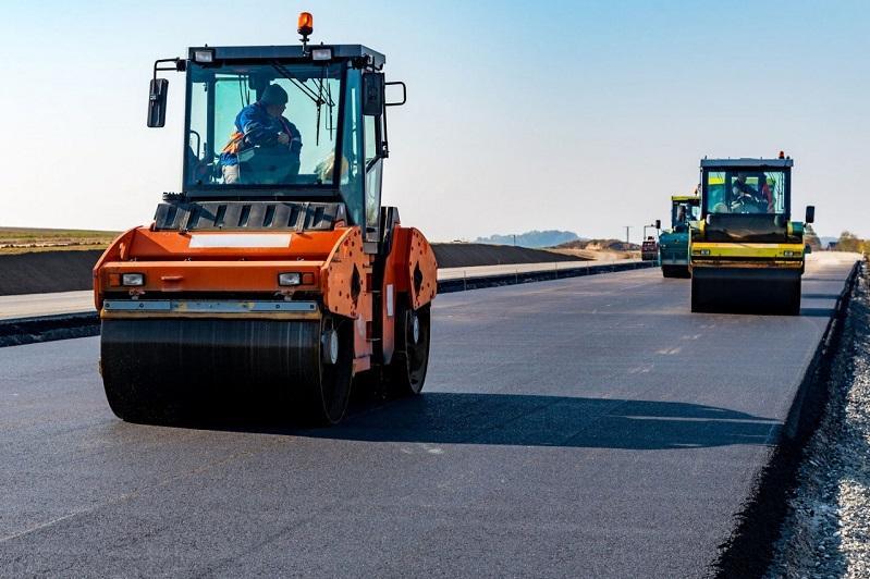 """""""光明大道""""框架下近5年完成公路建设总里程2.5万公里"""