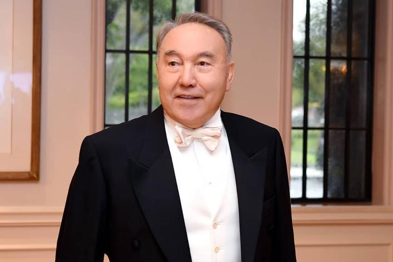 Nursultan Nazarbayev partaking in Japan Emperor enthronization ceremony