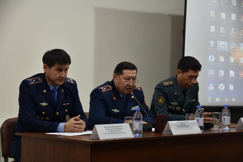 Перестроить работу по формированию нового облика полицейского предложили в Караганде
