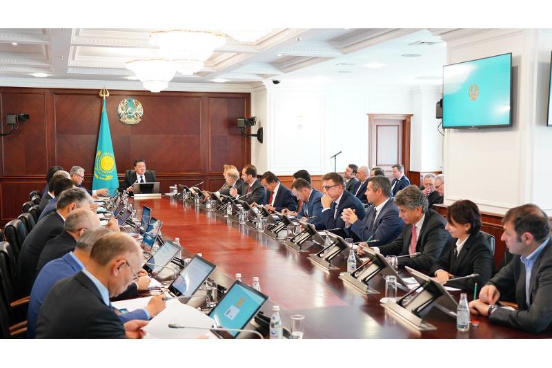 Қазақстанның киберқауіпсіздігі: Шетелдік дипломаттар мен компаниялар Үкіметте ұсыныстарын айтты