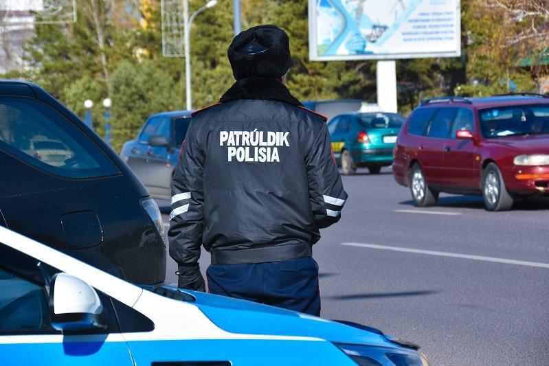 Инцидент между водителем и полицейским в Караганде прокомментировали в ДП области
