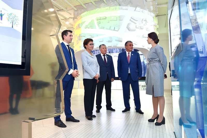 参议院议长对俄罗斯进行正式访问 熟悉莫斯科政府众包项目