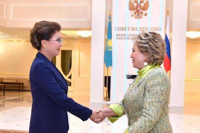 纳扎尔巴耶娃会见俄罗斯联邦委员会主席马特维延科