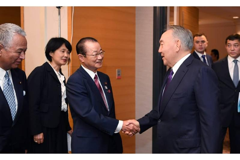 Elbasy holds meeting with Takeo Kawamura in Japan