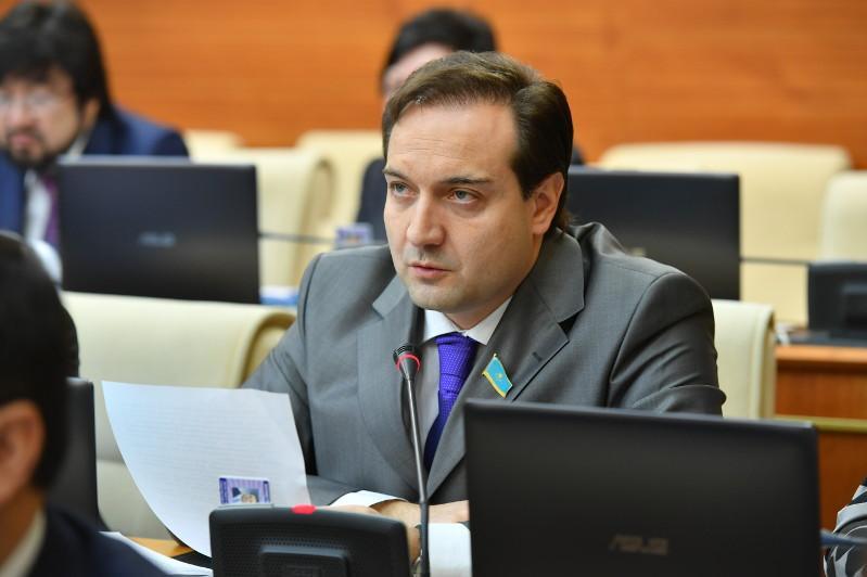 О казахстанском опыте транзита власти - Артур Платонов