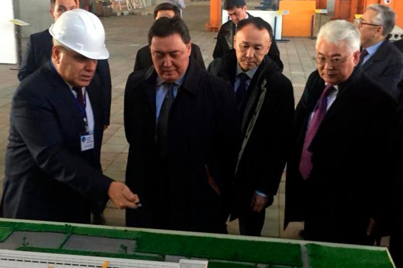 Үкімет басшысы Қостанайдағы үй құрылысы комбинатына барды