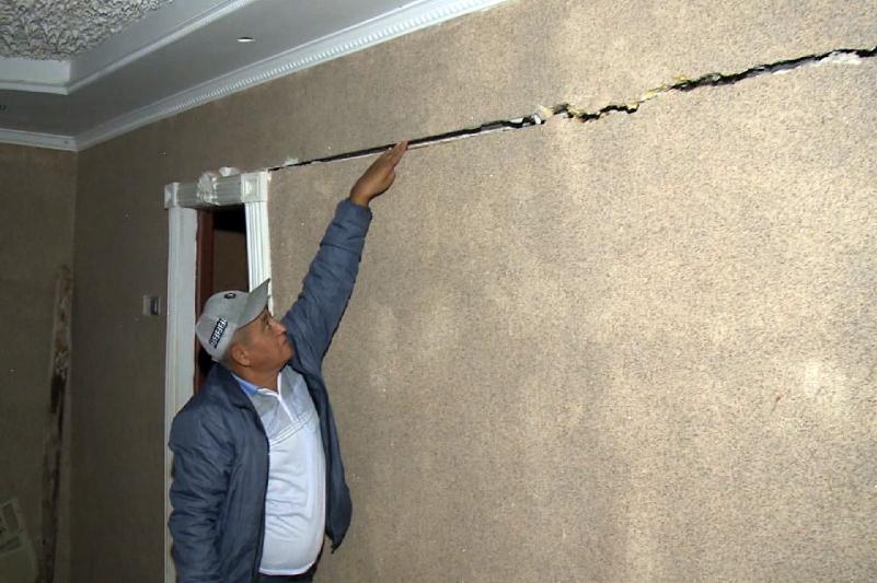 Жителей аварийных общежитий переселят в новые дома в Атырау